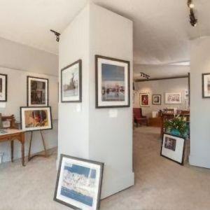 Image of the inside of Jeri Knudson's gallery, JAK's Studios