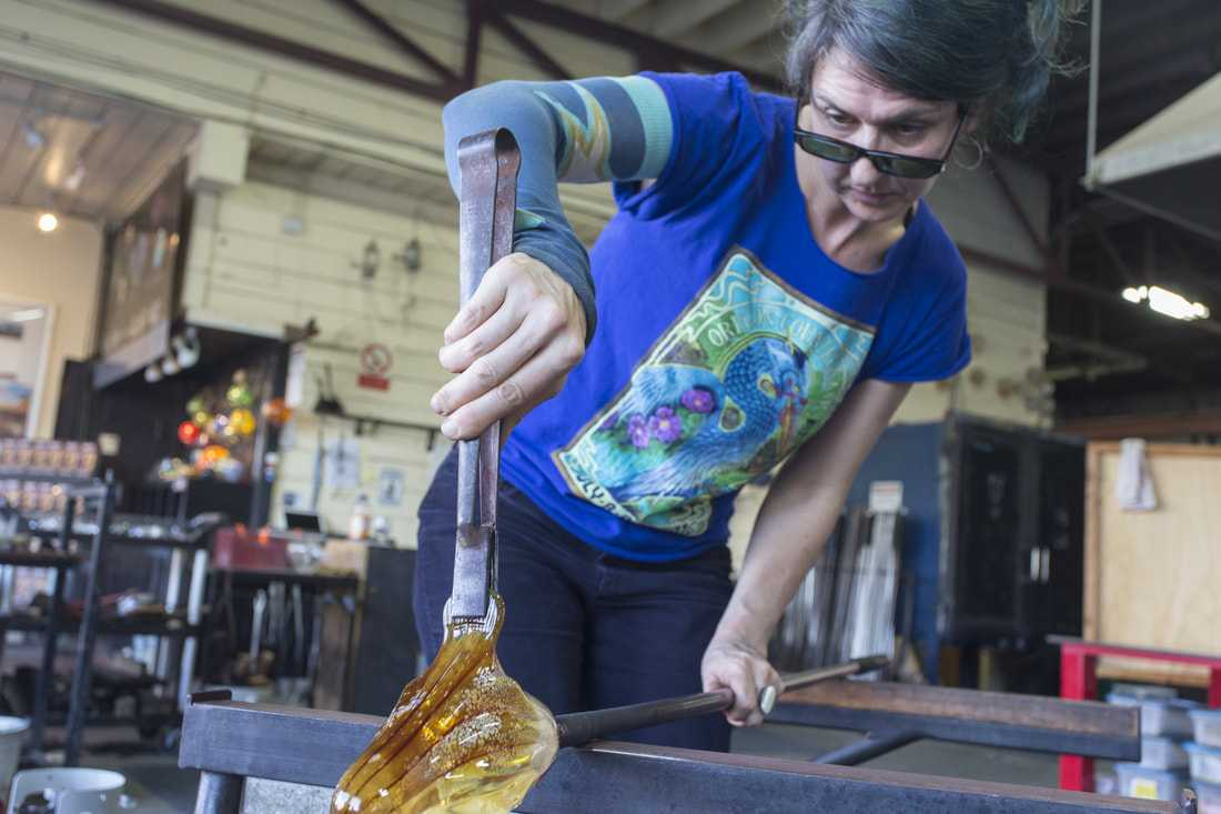Kelly Howard making glass art