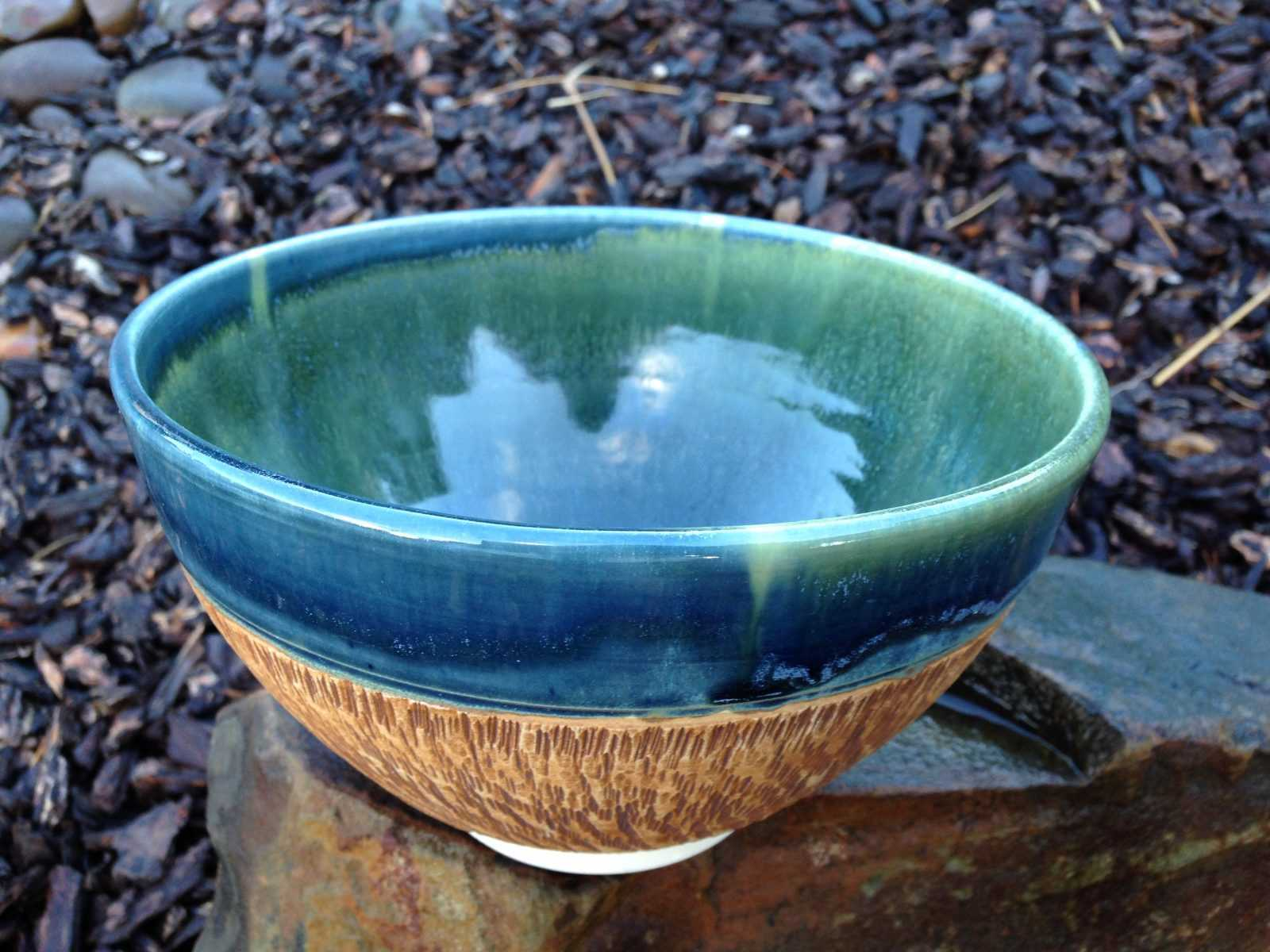 Ceramic bowl blue with textured bottom