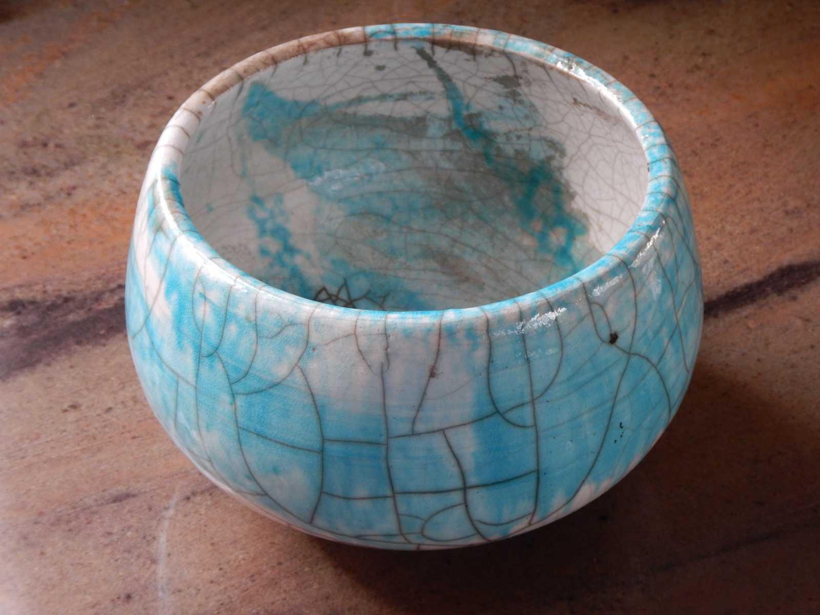 Ceramic bowl with crackle glaze